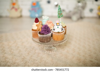 Capcakes with New Year's decor