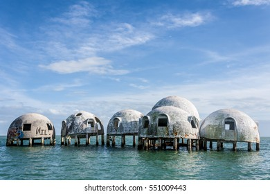 Dome Homes Images, Stock Photos & Vectors | Shutterstock