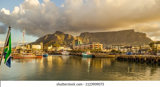 Cape Town harbor, Victoria and Alfred Waterfront sunset. Table mountain, South Africa