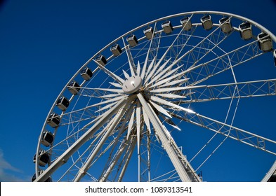 CAPE TOWN, SOUTH AFRICA -12 July 2014 -  Giant Wheel at the Victoria and Alfred Waterfront in Cape Town, South Africa