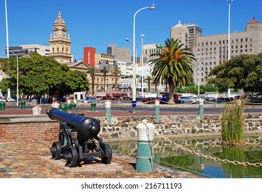 CAPE TOWN, SOUTH AFRICA - DECEMBER 28, 2007: Cityscape with City Hall of Cape Town, South Africa. Cape Town is the most popular international touristic destination in South Africa