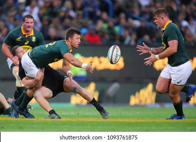 CAPE TOWN, SOUTH AFRICA - Saturday 7 October 2017, Handre Pollard of South Africa passes the ball to Malcolm Marx  of South Africa during the Castle Lager Rugby Championship Test.
