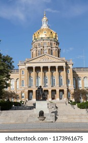 The capital building in Des Moines, Iowa, USA