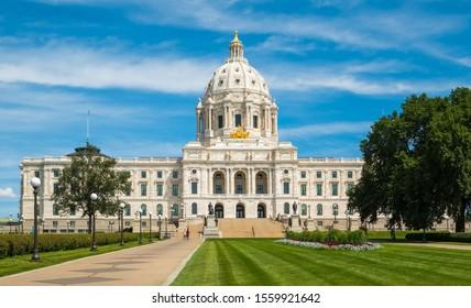 The Capitol Building, St Paul, Minnesota, USA.