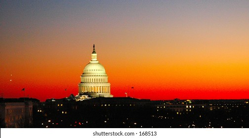 Capitol Building (@sunset)