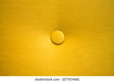Capitone Yellow Detail