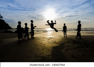 Capoeira Roda near the beach by Capoeirasta