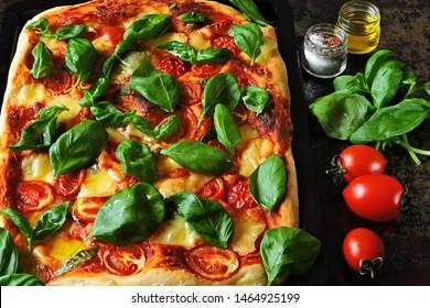Caprese pizza. Keto diet. Keto pizza.