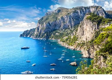 Capri Insel in einem schönen Sommertag in Italien