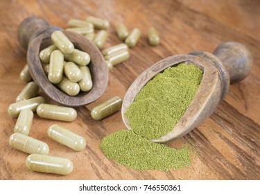 Capsules with powder moringa (Moringa oleifera)