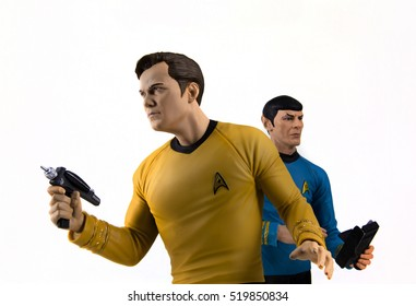 Captain Kirk and Mr Spock toys recreate a scene from Star Trek