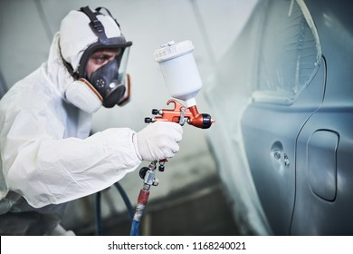 car autompbilr painting in chamber