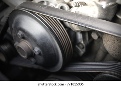 car belts  / One of the most important components in the engine.