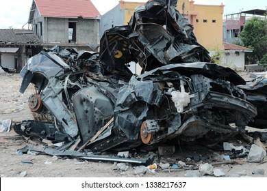 Car broken after earth quake