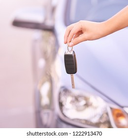 Car buy key. New rent automobile owner.