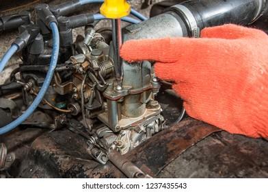 car carburetor adjustment