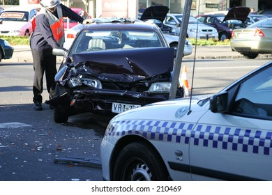 Car Crash, Adelaide, Kensington Road,  November 2004