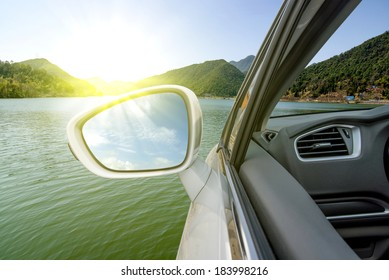 Car drove over the lake (the future concept car that can travel in water)