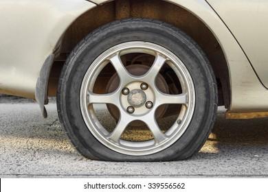 car flat tire