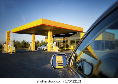 Convenience Store Outdoor Images, Stock Photos & Vectors | Shutterstock