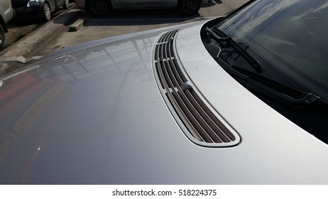 Car hood with vent for airflow