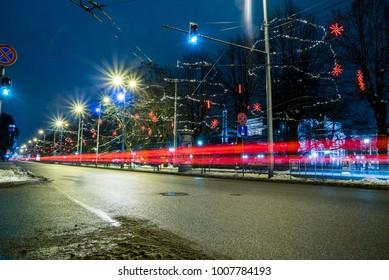Car lights in Riga
