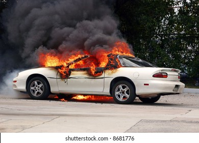 Car on fire - [early stage of a fire]