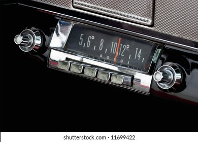 Car Radio in a old american car