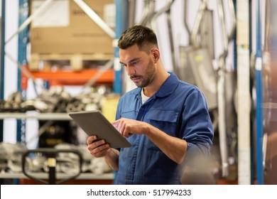 Maintenance Man Images Stock Photos Amp Vectors Shutterstock