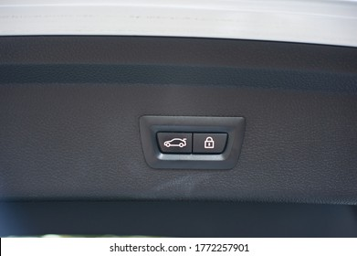 Car trunk lid open button for locking or unlocking