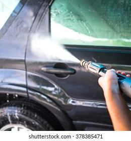 Car washing cleaning with high pressured water