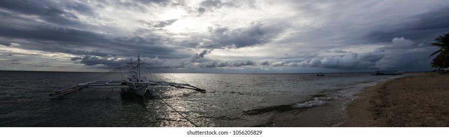 Carabao Island (Philippines) ; 9 March 2018 ; Thunderstorm on Carabao Island