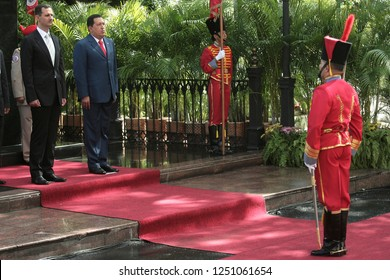 Caracas (Venezuela) June 26, 2010. The venezuelan president Hugo Chavez  (2L), receives syrian president Bashar al-Assad (L),  at the Miraflores Palace in Caracas. Photo/Harold Escalona