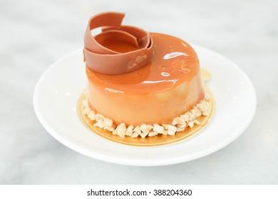 caramel custard and almond cake