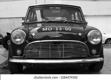 Caramulo , Portugal - Agosto 09 , 2018 : Old mini cooper , Austin cooper S