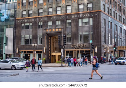 Carbide and Carbon building in Chicago  - CHICAGO, ILLINOIS - JUNE 11, 2019