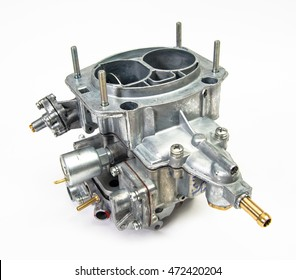 The carburetor of the internal combustion engine of the car