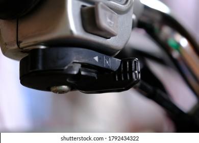 Carburetor shock on handlebars, motorcycles, motorcycles.
