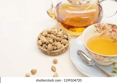 cardamom tea with cardamom