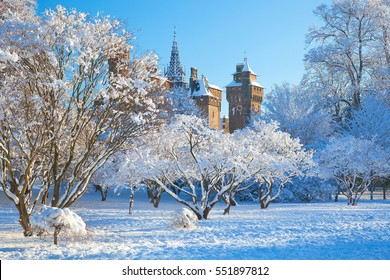 Cardiff Castle, Snow, Bute Park, Cardiff, Wales, UK
