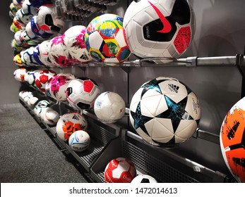 Fortaleza clérigo Dormitorio  Adidas Football High Res Stock Images | Shutterstock
