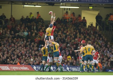 CARDIFF, WALES. 28 NOVEMBER 2009.  a lineout during the Invesco Perpetual International Rugby Union match between Wales and Australia at the Millennium Stadium.
