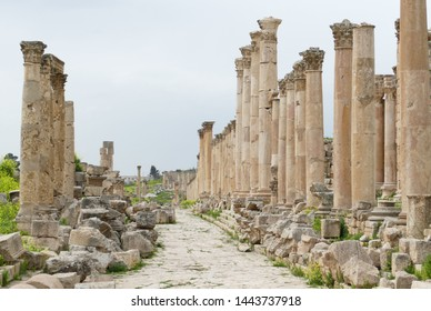 Cardo Maximus - Jerash was created in the first century AD when the plan of the city was completely redesigned by the Romans. It was 800 meters long and was flanked by 500 columns all the way.