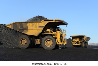 Career heavy-load car, dump truck