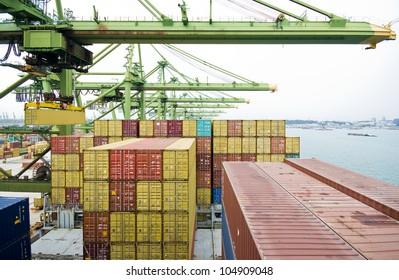 Cargo operation in port