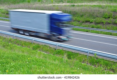 Cargo vehicle quick fast moving