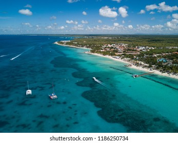 Caribbean coastline with turquoise water and white sand in Dominicana