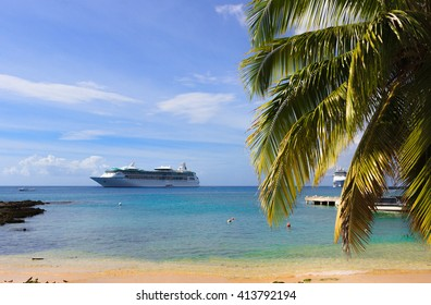 caribbean sea, cruise ship on the background