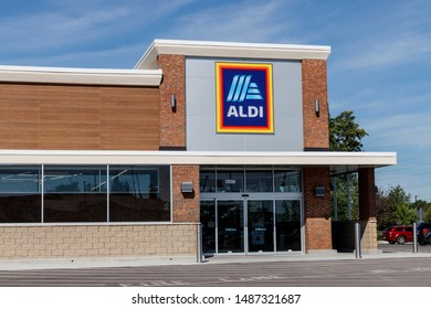Carmel - Circa August 2019: Aldi Discount Supermarket. Aldi sells a range of grocery items, including produce, meat & dairy, at discount prices III