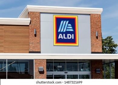 Carmel - Circa August 2019: Aldi Discount Supermarket. Aldi sells a range of grocery items, including produce, meat & dairy, at discount prices IV